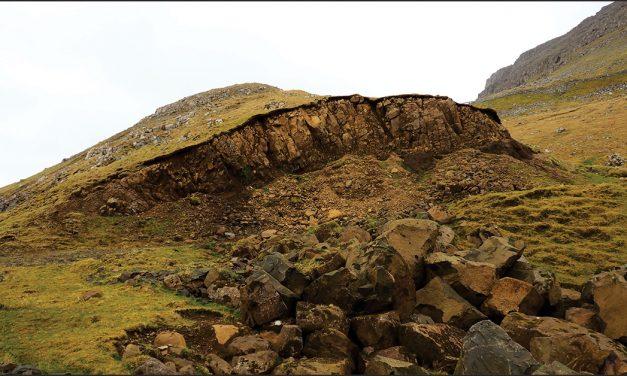 Fjallasíðan, sum leyp oman – dysjar eystanfyri Ørðaskarð, Suðuroy